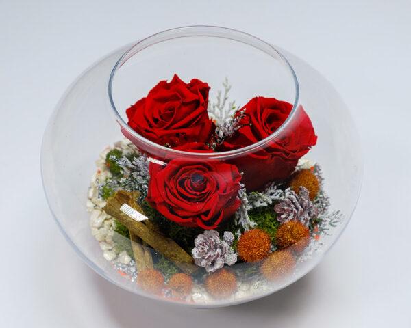 Miegančių rožių kompozicija